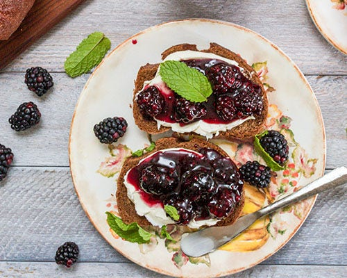 Blackberry toast