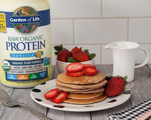 Strawberry protein pancake